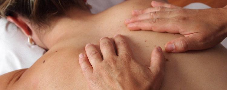 I benefici dei massaggi per la schiena